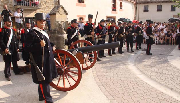 El sábado 25 de agosto a las 19.30 h se representará y escenificará en la plaza Zugarrondoa de Abárzuza la batalla en la que murió el general Concha.
