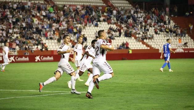 Un polémico penalti provoca un reparto de puntos entre Albacete y Deportivo