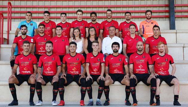 La plantilla del Cortes junto con el cuerpo técnico en la presentación de ayer. El equipo se ha reforzado con 11 incorporaciones.
