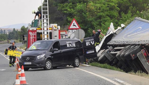 Accidente de tráfico en Pueyo, el pasado 7 de agosto, en el que falleció el ocupante de un camión.