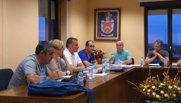 Los seis concejales de Ayegui Unido, en el pleno del jueves.