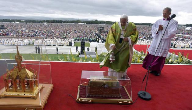 El papa Francisco celebra una misa de clausura en el Encuentro Mundial de las Familias en Dublín, Irlanda.