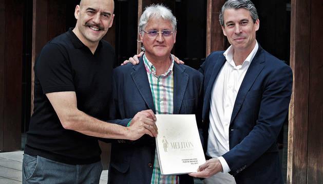 Presentación Estudios de Cine Melitón, de Lekaroz. De izquierda a derecha: Joaquín Calderón, Pablo Blanco y Miguel Ángel Carrero, en Baluarte de Pamplona.