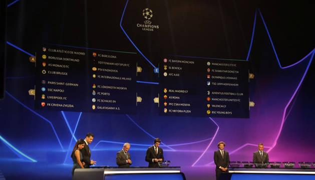 foto de Momento del sorteo de grupos de la Champions Ligue en Mónaco.
