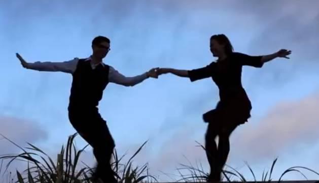 Atardecer Pamplona organiza este viernes un encuentro de baile social 'Swing Lindy Hop'