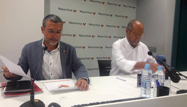 El vicepresidente Laparra y Carmelo Jíménez suscriben el convenio para las VPO en Tudela.