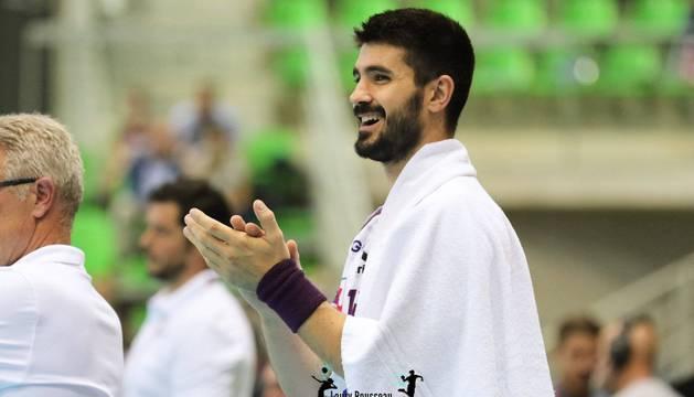 Eduardo Gurbindo juega su segunda temporada en el Nantes francés.