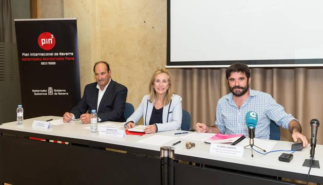 De izda. a dcha.: Jesús Albizu Soriano, Izaskun Goñi Razquin y Eneko Larrarte Huguet.