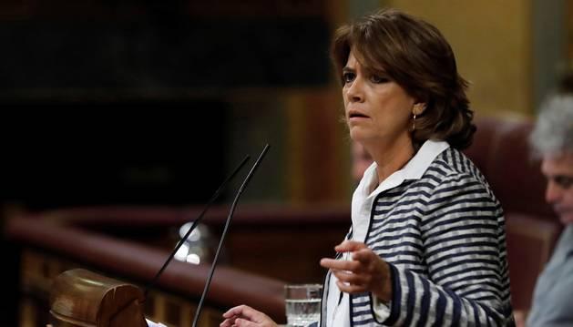 La ministra de Justicia, Dolores Delgado, durante su intervención en la sesión de control al Gobierno en el Congreso de los Diputados.