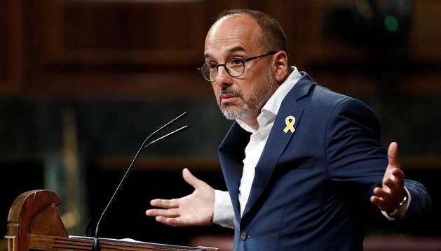 El portavoz del PDeCAT, Carles Campuzano, durante su intervención en la sesión de control al Gobierno