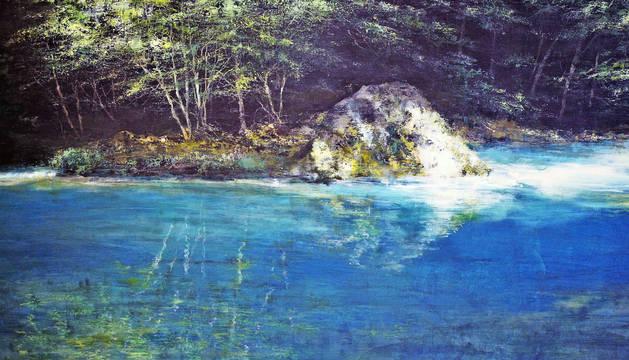 El Nacedero del Urederra protagoniza diez cuadros de la  exposición, un entorno apreciado por el artista y que le ha permitido afrontar un reto en el cromatismo de sus obras.