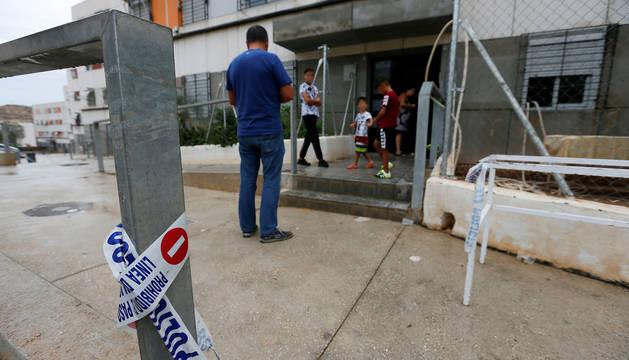 Domicilio situado en el barrio Juan XXIII de Alicante, donde un hombre de 44 años ha sido detenido la pasada madrugada por, presuntamente, matar a un hermano de 42 años y a sus padres de 71 y 69 años.