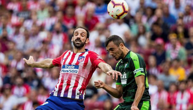 Juanfran Torres, durante el partido de la cuarta jornada de LaLiga entre el Atlético y el Eibar.