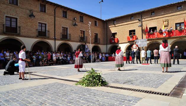 Un momento de la celebración del primer centenario de la Traída del Agua a Larraga.