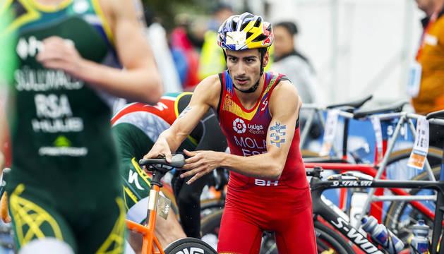 Mario Mola, campeón del mundo, en una carrera de 2017.