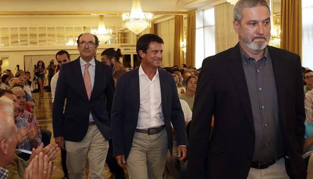 Valls asegura en Pamplona que el modelo de Europa está en peligro