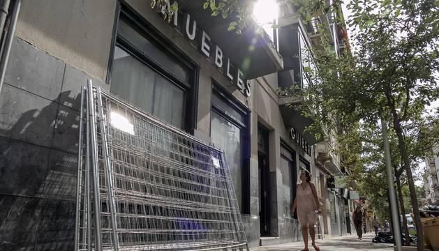 La bajera que hasta 2011 ocupó Muebles Guibert que se reforma ya para su uso como supermercado.