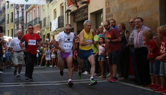 José María Álvarez (izq.), Luis Miguel Garayola, Francisco Javier Osés y José Mari Mercero unos segundos después del comienzo de la carrera.