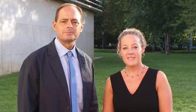Javier Torres y Natalia Lorenzo en las II Jornadas de Intervención Psicológica en Emergencias y Catástrofes en Pamplona.