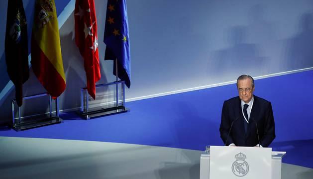 Florentino durante la asamble del Real Madrid