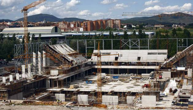 El proyecto del Navarra Arena se puso en marcha en 2009, dentro del Plan Navarra 2012. Su puesta en marcha no se ha producido hasta 3288 días después. Mucho más tarde de lo ideado.
