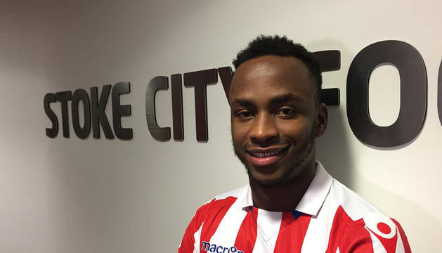 Saido Berahino, delantero del Stoke City.