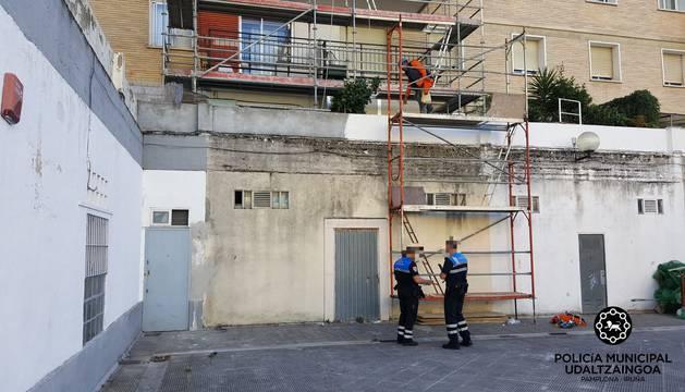 El edificio en obras en donde tuvo lugar el accidente.