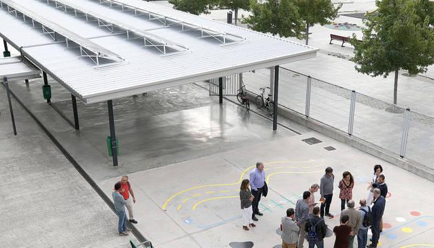 Una comisión municipal visita colegios con instalaciones fotovoltáicas