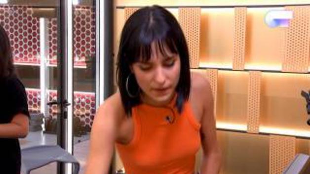 Natalia Lacunza canta 'Tainted love' en un box de la academia de 'OT'.