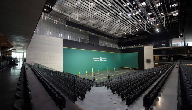 Vista panorámica del frontón del Pabellón Navarra Arena, donde este sábado por la tarde se celebrará el primer evento deportivo de la historia de la nueva instalación deportiva.