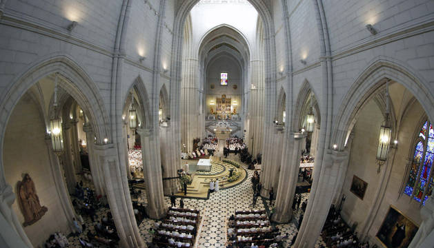 Vista del interior de la Catedral de la Almudena en Madrid.