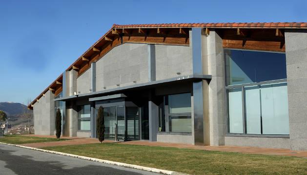 Imagen de archivo de las oficinas de Construcciones Flores, en la entrada de Gorraiz, que todavía están sin vender.