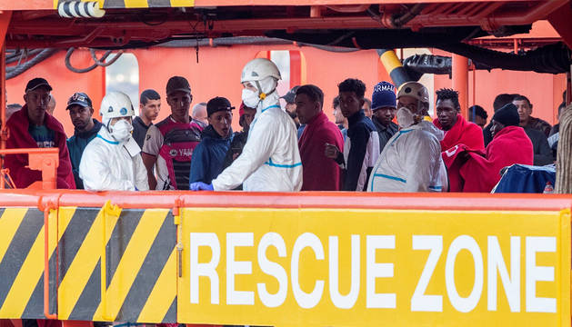 Rescate de inmigrantes en el puerto de Cartagena.