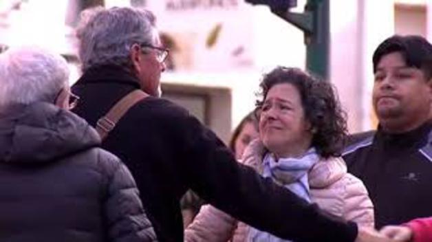 Protestas y dolor en el lugar del atropello mortal del niño de 4 años en Pamplona