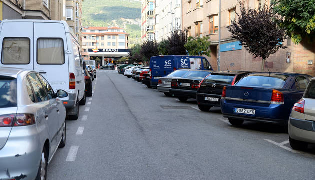 Las plazas de aparcamiento, numerosas, suelen coparse.