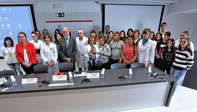 Sanitarios y asistentes a la IV Jornada sobre Lactancia Materna que tuvo lugar en el Complejo Hospitalario de Navarra.