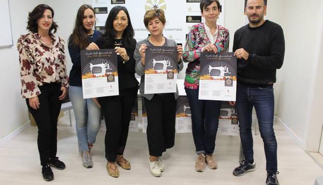 Los comerciantes de Estella, este martes, durante la presentación de la campaña.