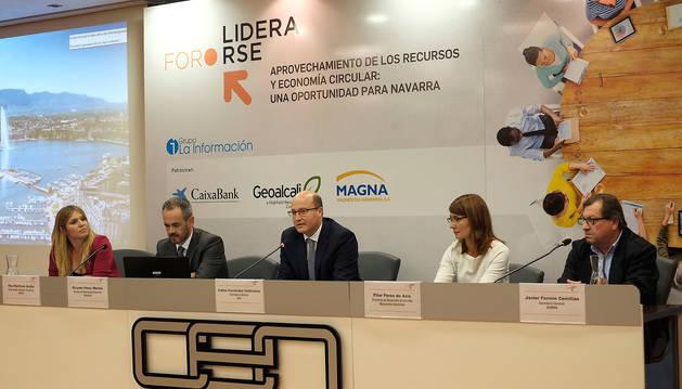 foto de Participantes en una de las mesas de la I Jornada sobre Economía Circular.