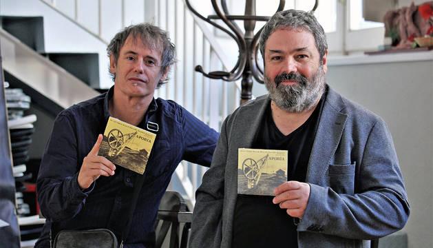 Desde la izquierda, el acordeonista Javier López Jaso y el contrabajista Marcelo Escrich, ayer.