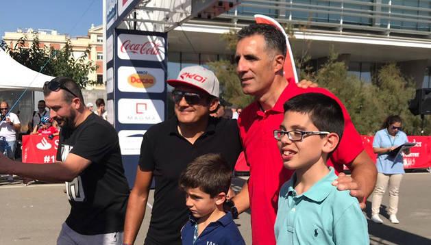 Más de 2.000 ciclistas siguen a Induráin en Valencia