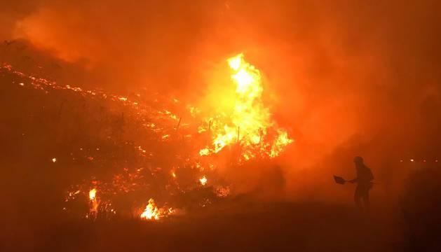 Arden 120 hectáreas en un incendio en la localidad pontevedresa de Mondariz