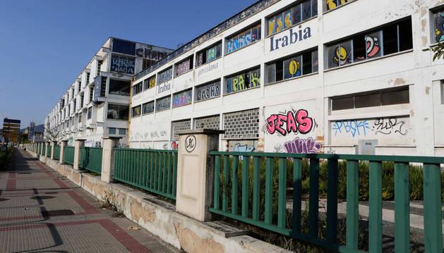 foto de Antigua fábrica de Super Ser que se va a derribar para levantar un Ikea a la entrada de Pamplona.