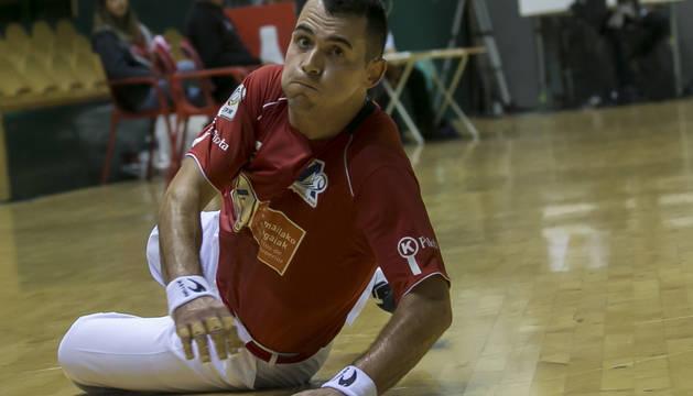 Erik Jaka, durante el partido del pasado sábado en el Labrit