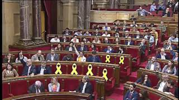 """El Parlament aprueba una resolución que """"rechaza el posicionamiento del Rey en el conflicto catalán"""""""