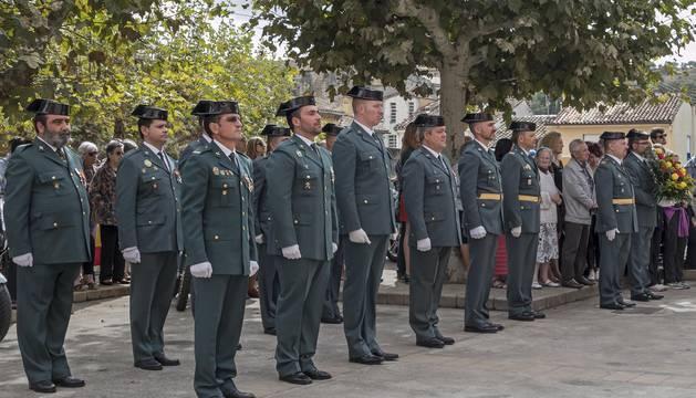 Los guardias civiles de Estella durante la celebración de su patrona en la compañía de la ciudad.