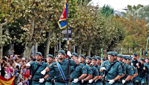 Fotos del día de la patrona de la Guardia Civil en Pamplona.