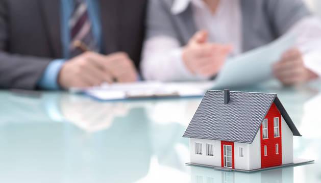 Las cláusulas incluidas en muchos contratos hipotecarios siguen llegando a los juzgados.
