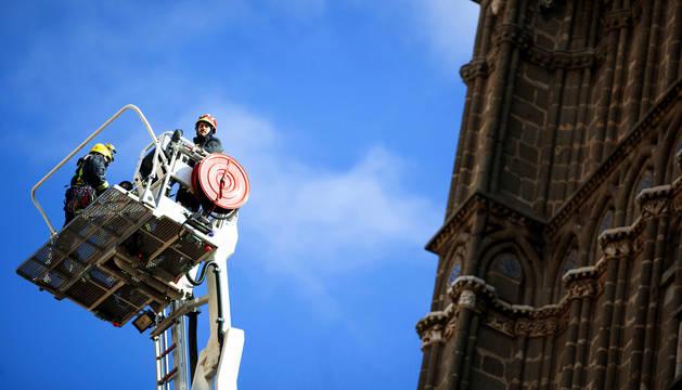 Se desprende una cornisa de 20 kilos de la catedral de Toledo sin causar daños