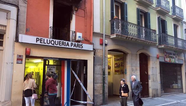 Seis heridos, dos muy graves, en un incendio de madrugada en la calle Mayor de Pamplona
