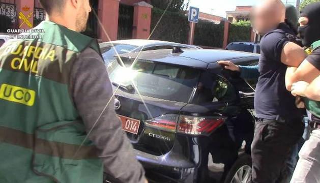 Momento de la detención, llevada a cabo por los agentes de la UCO